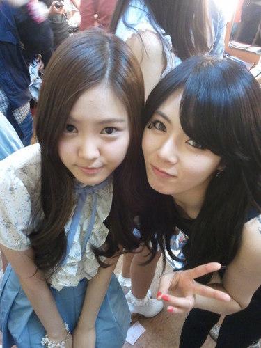 4Minute's HyunA & NaEun