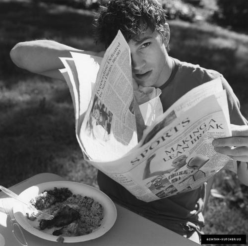 Ashton Kutcher hot