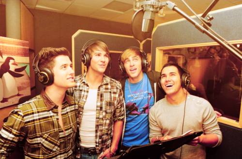 Big Time Rush in the studio of The penguins of Madagascar
