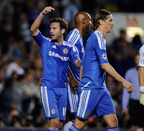 Chelsea 2x0 Bayer Leverkusen 13.09.2011 - fernando-torres Photo