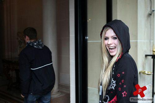Coming back Hotel after NRJ Studio- Paris FR 16.09.11