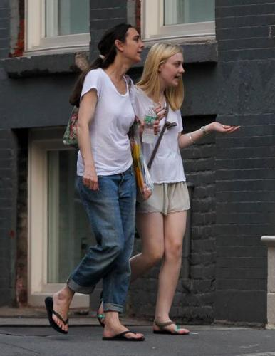 Dakota Out and About in NYC - dakota-fanning Photo
