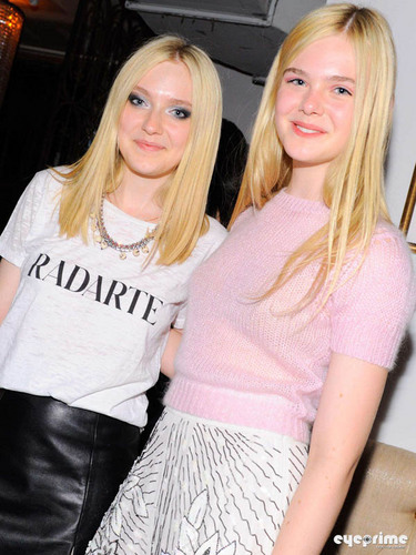 Dakota and Elle Fanning: Rodarte tunjuk during MBFW, Sep 13