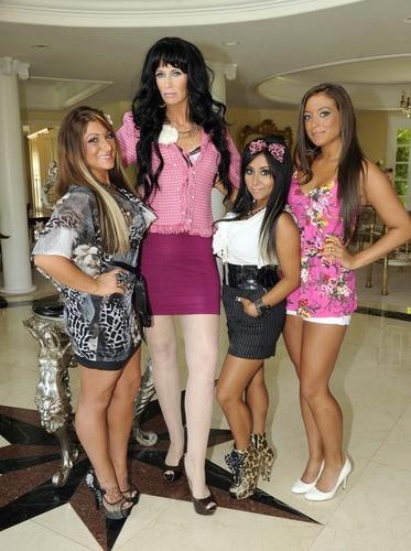 Deena,Snooki and Sammi with Jane Lynch