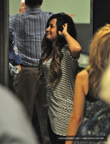 Demi - Departs from LAX Airport - September 15, 2011