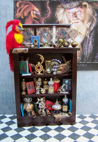 Dollhouse Miniature Dumbledore's Cabinet with Fawkes