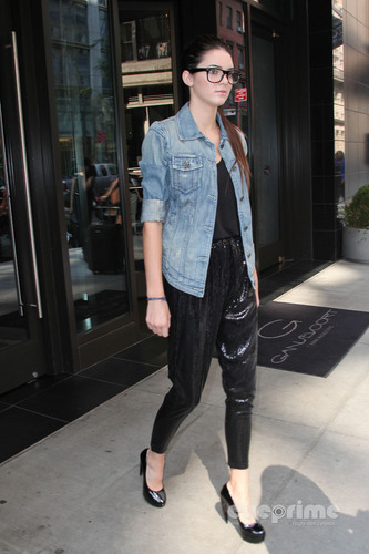 Kendall Jenner leaving her Hotel in NY, Sep 14