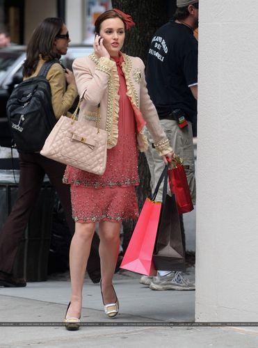 Leighton On the Set of Gossip Girl – September 16