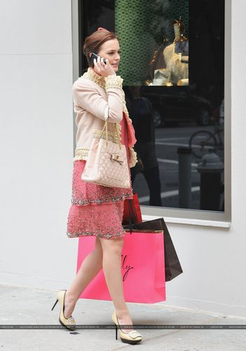 Leighton On the Set of Gossip Girl – September 16