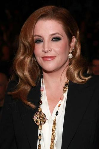Lisa Marie Presley fond d'écran possibly containing a portrait called Lisa 2011 :)