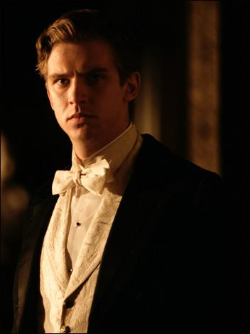 Downton Abbey 壁纸 containing a business suit entitled MattheW sERIES 2