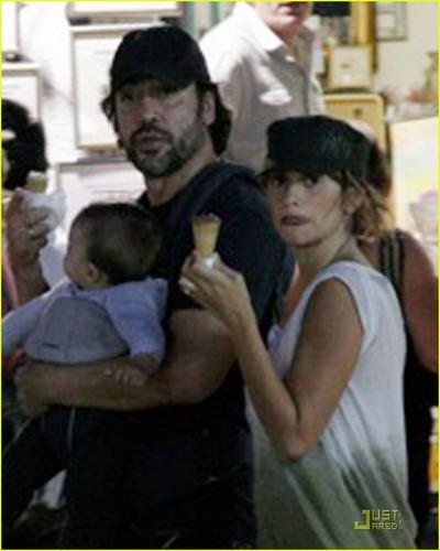 Penelope Cruz & Javier Bardem: Sarajevo Stroll with Leo!