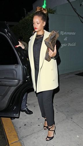 Rihanna Leaving Il Ristorante Di Giorgio Baldi In Santa Monica