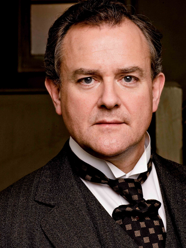 Downton Abbey wolpeyper probably containing a business suit and a suit entitled Robert Crawley