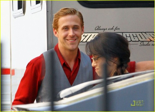 Ryan Gosling: 'The Gangster Squad' Set!