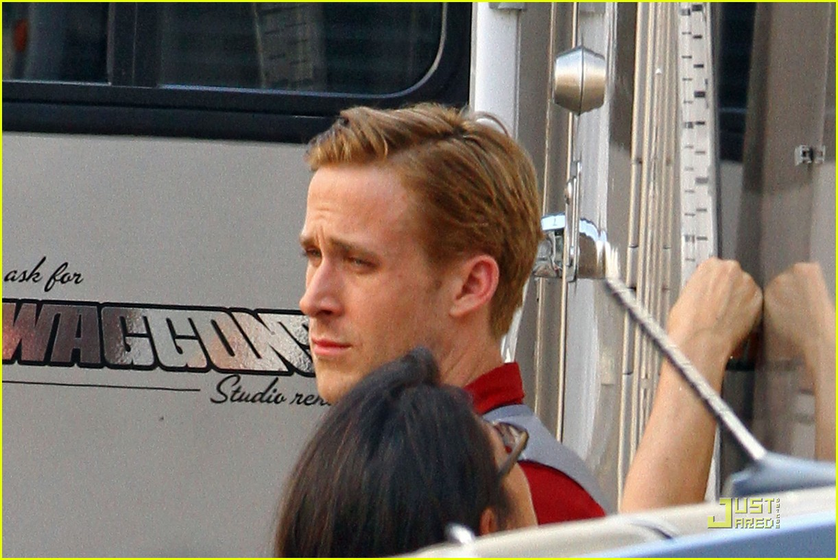 Ryan Gosling The Gangster Squad Set Ryan Gosling Photo