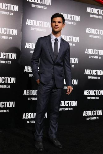 Taylor Lautner Abduction Red Carpet