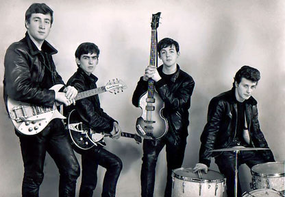 http://images5.fanpop.com/image/photos/25300000/The-Beatles-the-beatles-25344273-416-287.jpg