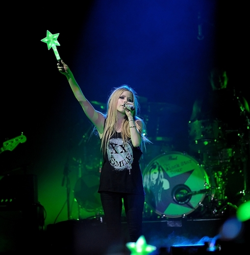 Avril Lavigne Wallpaper Containing A Concert Titled The Black Star Tour Amsterdam