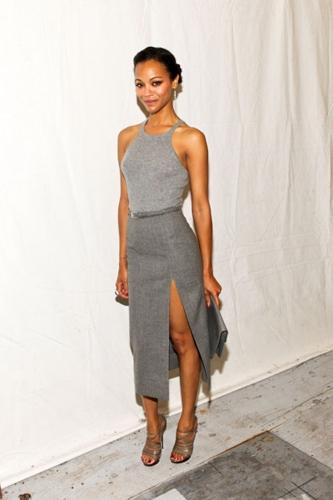 Zoe Saldana attends the Micheal Kors 2012 বিমানের নির্মিত পথ presentation for the 2011 New York Fashion Week.