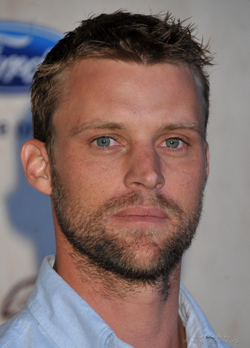 Jesse Spencer fond d'écran possibly with a portrait titled 2011 renard Fall Eco-Casino Party [September 12, 2011]