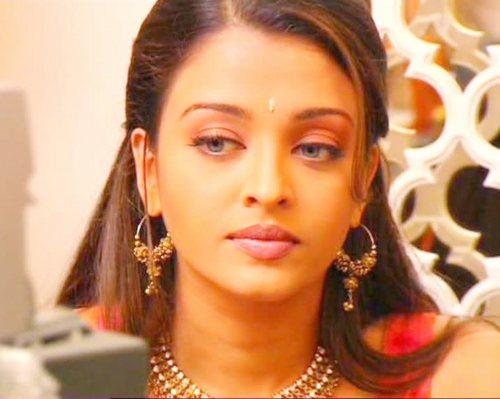 Aishwarya Rai karatasi la kupamba ukuta containing a portrait entitled Aish