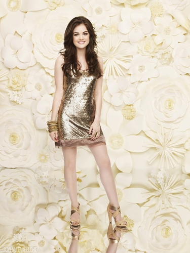 Aria Montgomery hình nền with a cốc-tai, cocktail dress entitled Aria Season 1 HQ Promos