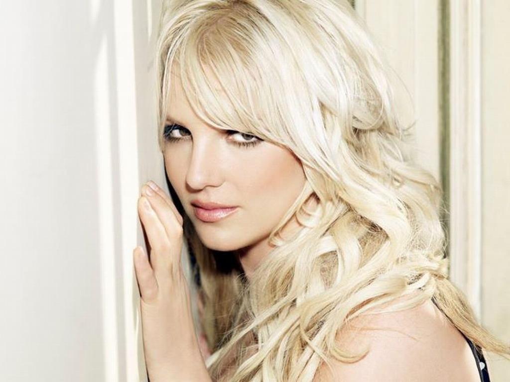 Britney Spears - Wallpaper Gallery