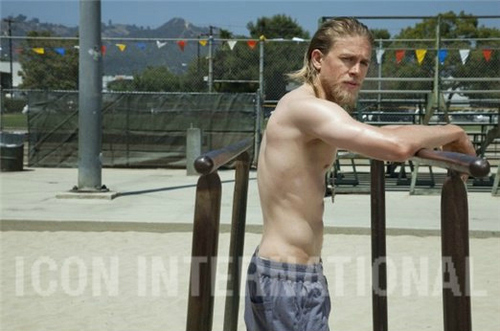 Sons Of Anarchy wallpaper probably with a vaulter and parallel bars entitled Charlie Hunnam♥