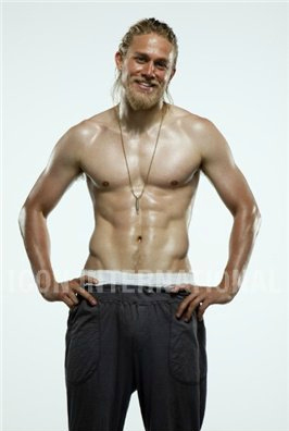 Sons Of Anarchy wallpaper containing a six pack and skin titled Charlie Hunnam♥