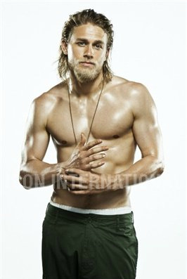 Sons Of Anarchy wallpaper containing a six pack and skin entitled Charlie Hunnam♥