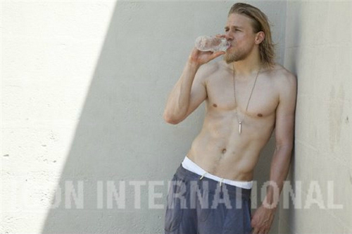 Sons Of Anarchy wallpaper possibly containing a six pack, a hunk, and skin called Charlie Hunnam♥