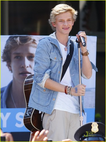 Cody Simpson: The Outlets at oranje Concert!