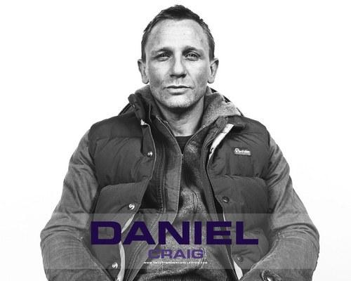 Daniel Craig Hintergrund probably with a green beret, a navy seal, fatigues, ermüden, and ermüdet called Daniel Craig<3