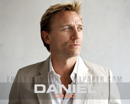 Daniel Craig Hintergrund entitled Daniel Craig<3