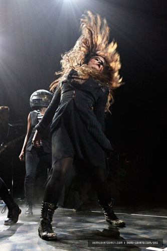 Demi - Performs at Hammerstein Ballroom In New York - September 17, 2011