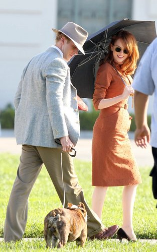 Ryan gosling karatasi la kupamba ukuta titled Ryan On the Set of Gangster Squad (September 20)