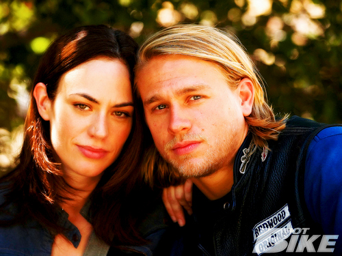 Sons Of Anarchy wallpaper containing a portrait called Jax & Tara♥