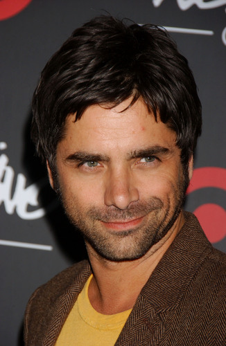 John Stamos achtergrond probably containing a portrait entitled John Stamos