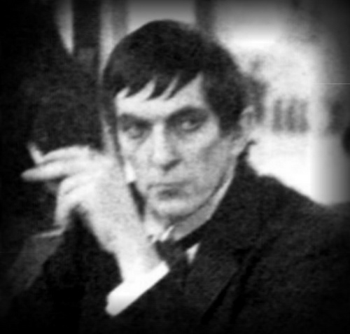 Dark Shadows fond d'écran containing a business suit entitled Jonathan Frid