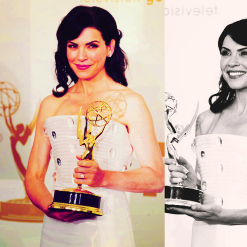 Julianna Margulies → Emmy 2011.
