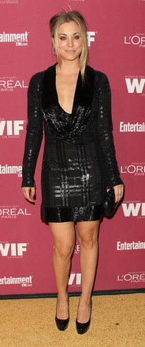 Kaley Cuoco @ 2011 Entertainment Weekly And Women In Film Pre-Emmy Party Sponsored sa pamamagitan ng L'Oreal
