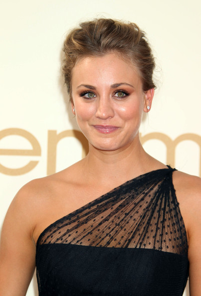 Kaley Cuoco @ 63rd Annual Primetime Emmy Awards - Arrivals (2)