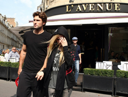 Leaving L'Avenue Restaurant- Paris FR 16.09.11