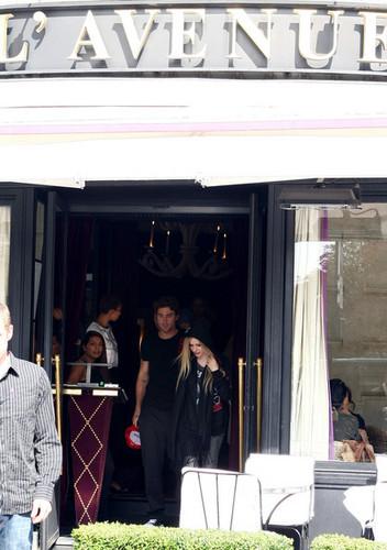 Leaving L'Avenue Restaurant- Paris FR 16.09.11