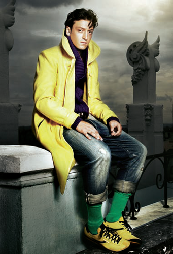 Mesut Özil wallpaper containing a business suit, a well dressed person, and a hip boot called Mesut (:
