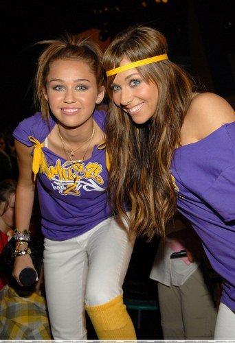 Miley!!! Любовь YA!