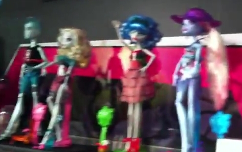 Monster High پیپر وال entitled NEW MH DOLLS!!!!!!!!!!!!!!!!!!!!!!!!!!!!!!!!!!!