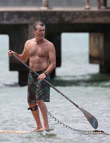 PIERCE BROSNAN SHIRTLESS 9