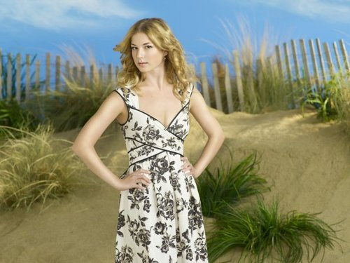 Revenge wallpaper entitled Revenge - Season 1 - Full Set of Cast Promotional Photos